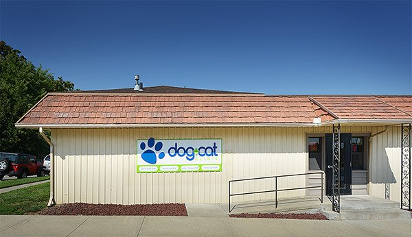 Dog and Cat Pet Clinic in Leavenworth KS - building exterior